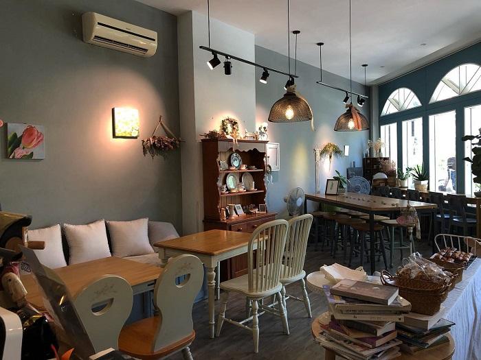 Cafe quận 7 Gateau de Blanc