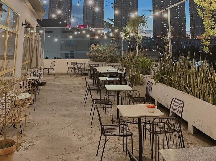Nắng Rooftop Coffee Quận 7